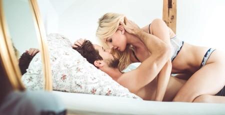 Hướng dẫn cách làm sao quan hệ tình dục lần đầu không bị đau.