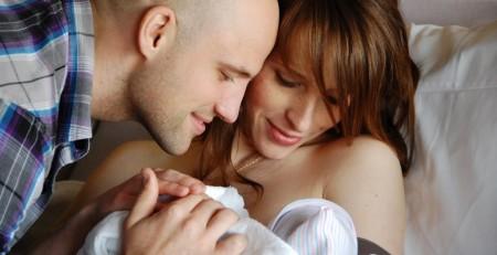 Bàn luận về vấn đề quan hệ tình dục sau sinh đẻ khoảng 1 tháng để tìm giải pháp tốt nhất.